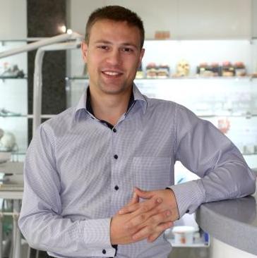 Голованев Владимир Сергеевич, менеджер по продаже