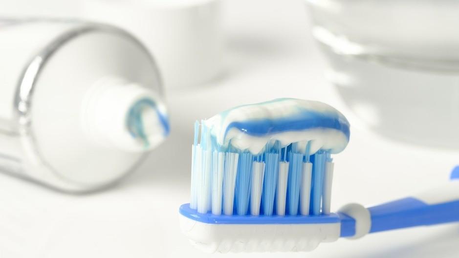Щетки для чистки зубов